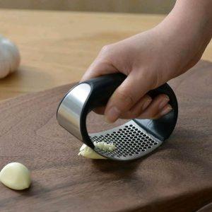1pcs Stainless Steel Garlic Press Manual Garlic Mincer Chopping Garlic Tools